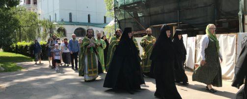 День Святого Духа в Новодевичьем монастыре